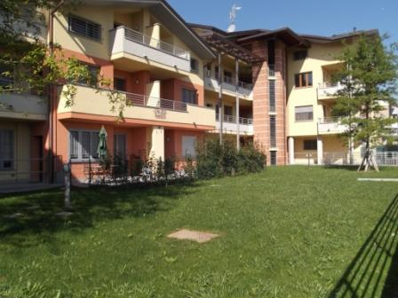 Varedo : Zona Valera duplex di tre / quattro locali