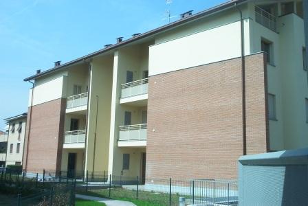Giussano : Quadrilocale con cucina abitabile, doppi servizi e terrazzo