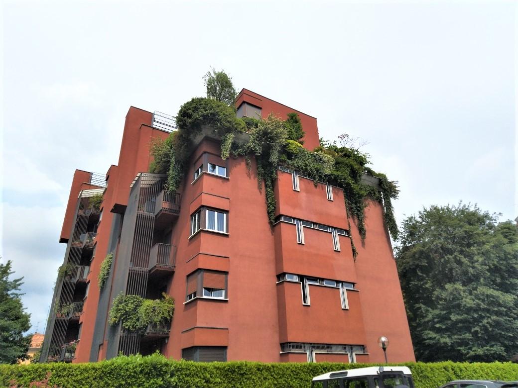 Mariano Comense : Ufficio / Appartamento 115 metri con box e cantina